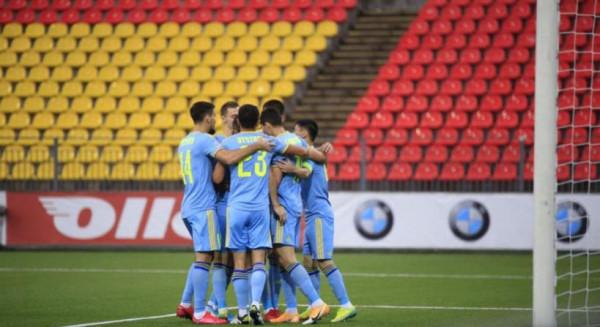 Kazakët fitojnë ndaj rivalit të radhës së kuqezinjëve