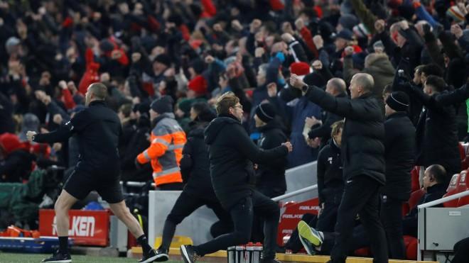 Lideri ndalet në Anfield Road