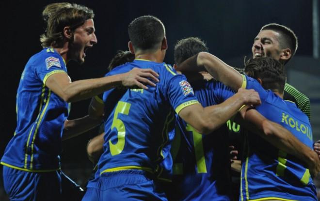 Me çfarë formacioni luan Kosova?