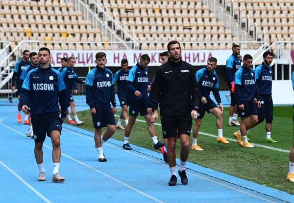 Pa ndriçim, Kosova kryen stërvitjen para lojës historike