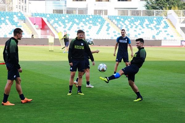 Stërvitjet e para të Kosovës, sonte