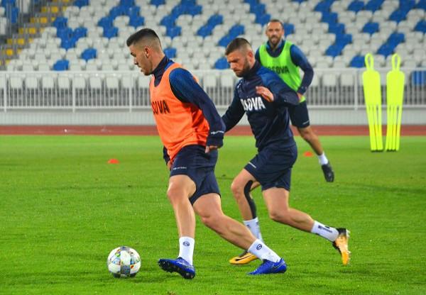 Stërvitja e parë, me 12 futbollistë