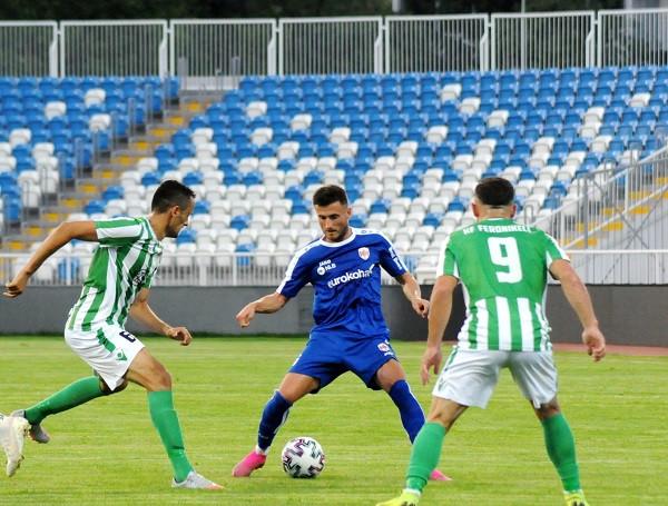 Penalltia sjell fitoren e radhës, Prishtina ngritet