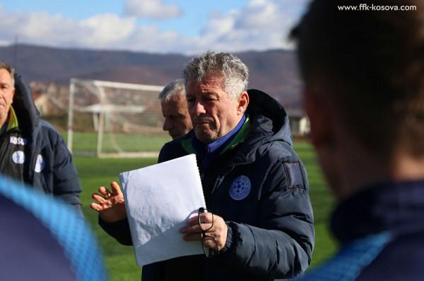 Kosova U19 - Uellsi U19, formacionet startuese