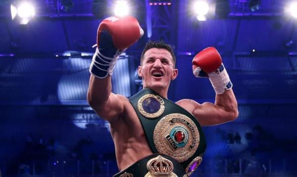 Robin Krasniqi me nokaut, kampion IBO dhe WBA