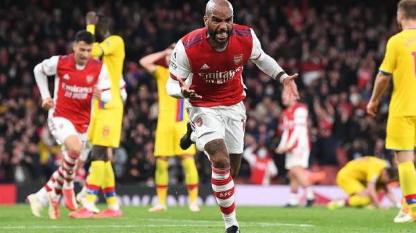 Lacazette shpëton Arsenalin, Vieiras iu mohua fitorja e madhe