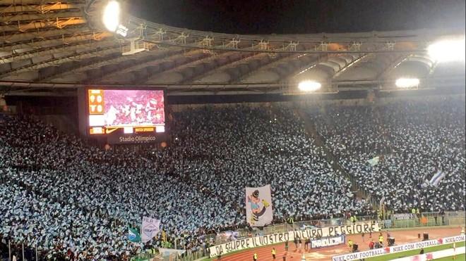 Lazio mposhtet, por arrin finalen!