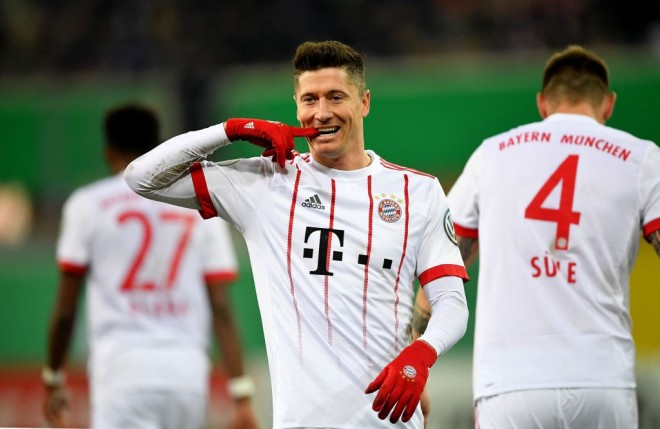 Bayerni lehtë në gjysmëfinale