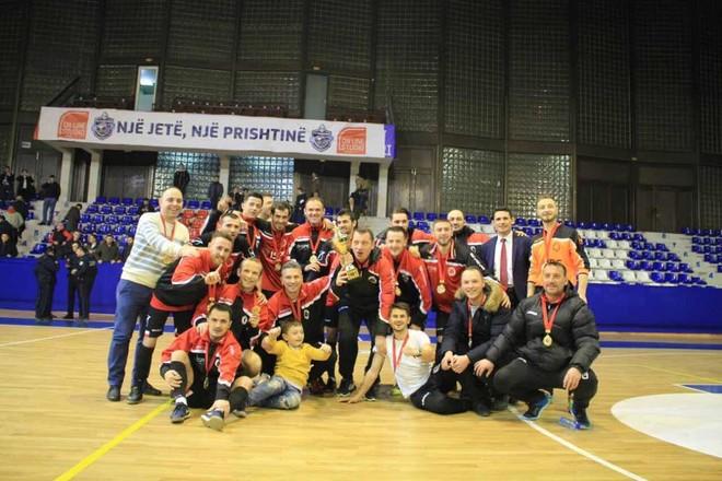 Liburni fiton, kupa shkon në Gjakovë