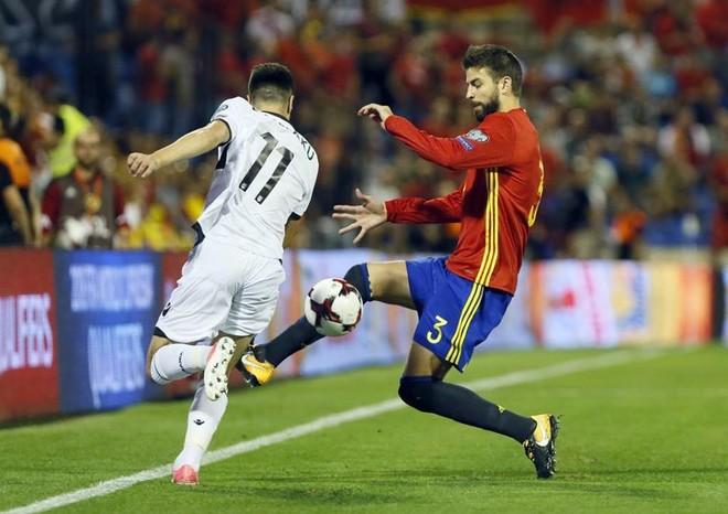 Notat e kuqezinjëve përballë Spanjës