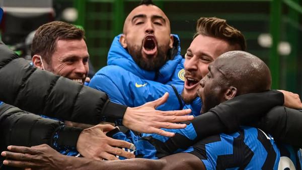 Inter fiton derbin, Milan merr goditjen e radhës