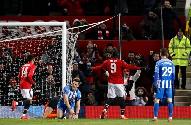 United kalon në gjysmëfinale