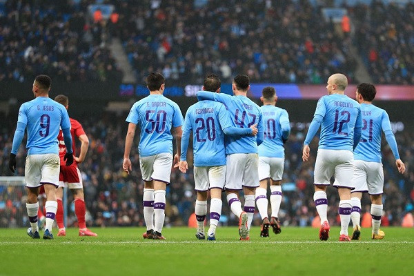 City pa probleme ndaj Fulhamit, për të kaluar në raudin e pestë