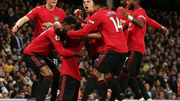 United fiton, ndal rrugëtimin e Cityt