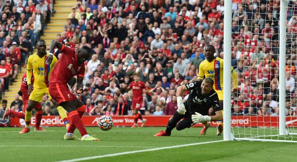 Fitore në shtëpi, Liverpooli merr kreun