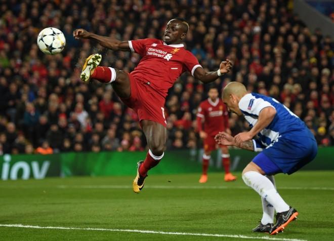 Me qetësi dhe pa presion, Liverpooli në çerekfinale