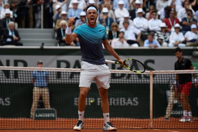 Super Cecchinato, eliminon Djokovicin për gjysmëfinale