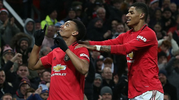 Martial me dyshe, United i kthehet fitores