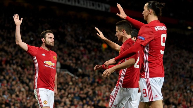 Juan Mata shënon, United në çerekfinale