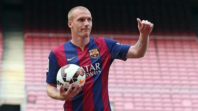 Barcelona liron mbrojtësin të ushtrojë me ekip tjetër