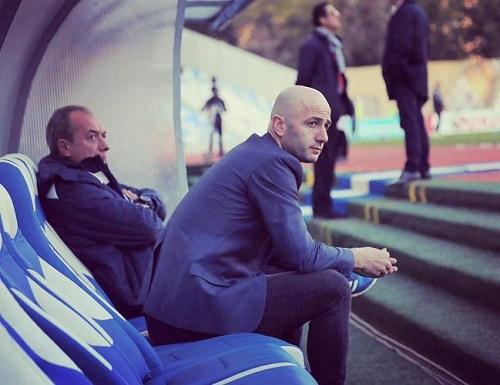 Trajneri i Laçit dorëhiqet pas 6 ndeshjeve