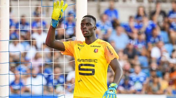 Chelsea merr portierin e Rennesit