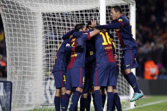 Penalltia e Messit shpëton Barcelonën