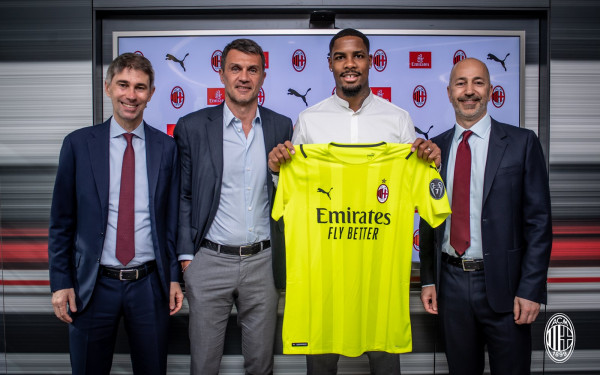 Milani zëvendëson Donnarummën me portierin kampion