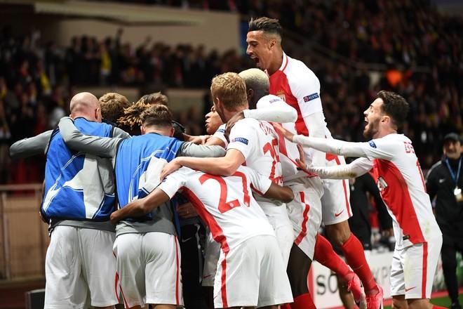 Monaco rikthen lavdinë franceze, arrin gjysmëfinalen