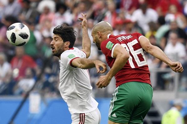 Irani triumfon falë autogolit