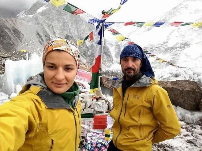 KA Prishtina arrin Mt Everestin