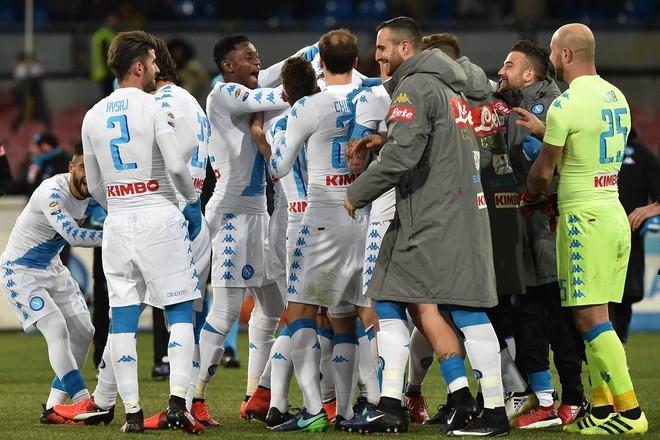Hysaj zëvendësues, Napoli arrin çerekfinalen