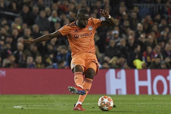Ylli i Lyonit arrin te Spurs