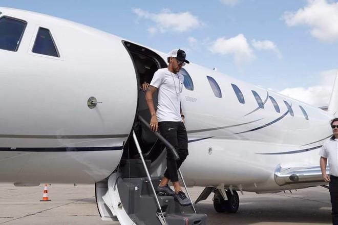 Neymar ateron në Paris