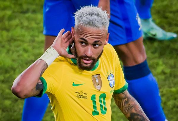 Blick: Neymar si Xhaka