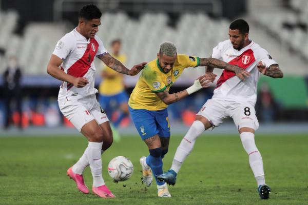 Neymar shkëlqen, Paqueta vendos - Brazili në finale