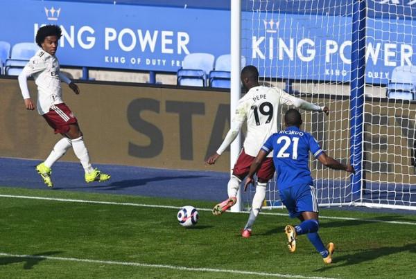 Arsenal mposhtë Leicester-in si mysafir