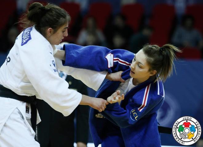 Nora Gjakova pret austriaken ose holandezen në duelin e parë