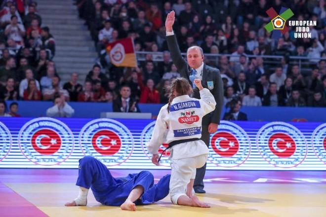 Super Nora Gjakova, e mbyll me medalje të artë