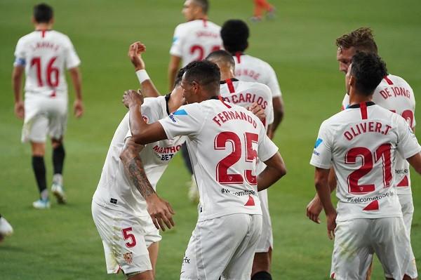 Liverpool interesohet për Ocampos