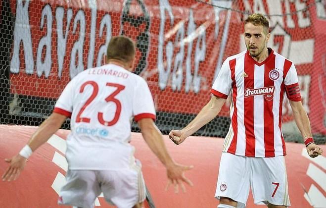 Olympiacosi i Hasit eliminon Partizanin, arrin play off-in