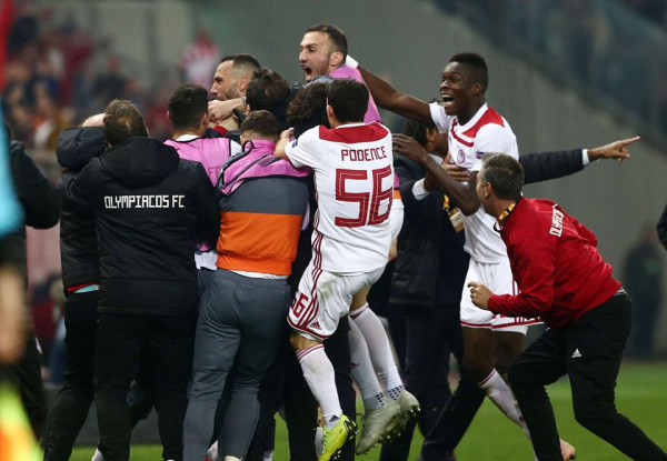 Olympiacos eliminon Milanin