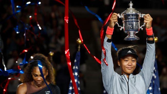 Serena 'jashtë kontrollit', Osaka shkruan historinë!