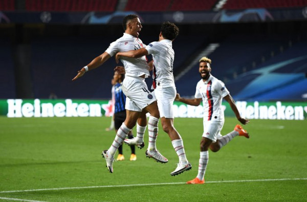 Atalanta dorëzohet në fund, Parisi në gjysmëfinale