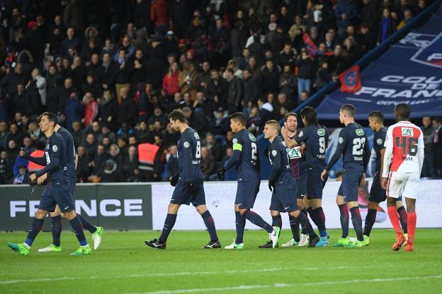 Parisi shkatërron Monacon, arrin finalen!
