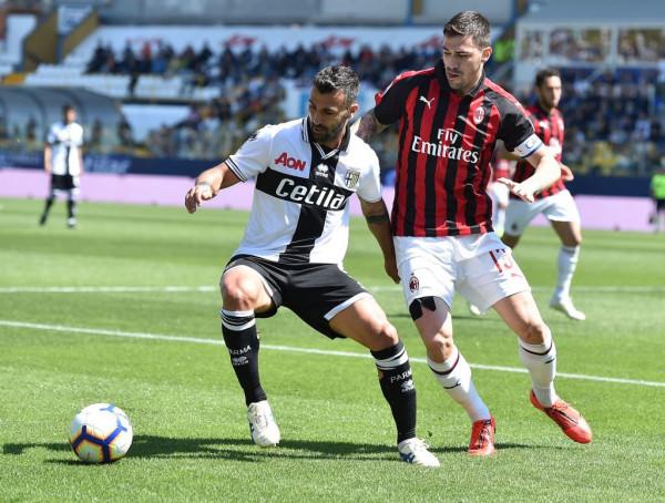 "Castillejo s'mjafton, Milan ndalet në "" Ennio Tardini"""