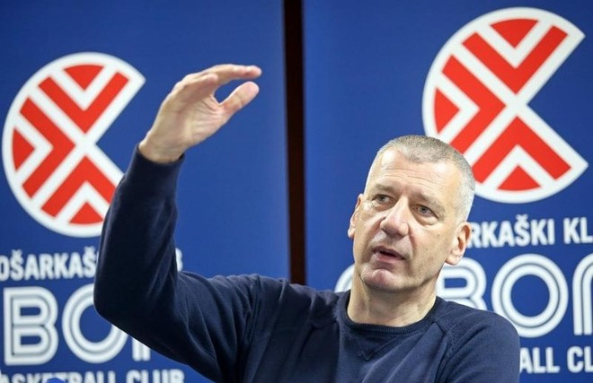 Kroacia shkarkon Petrovicin
