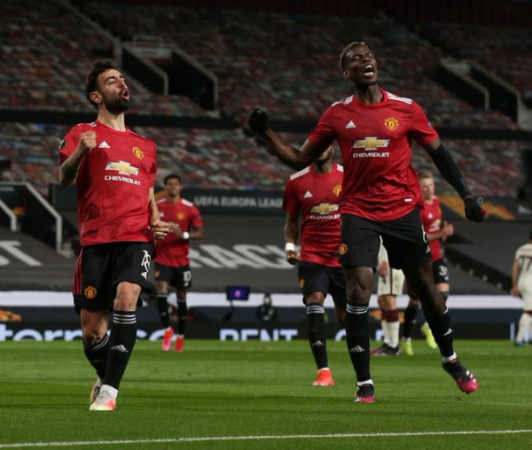 United zgjohet në pjesën e dytë, i afrohet finales