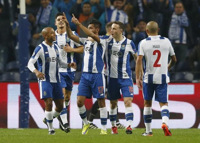 Porto deklason kampionin anglez dhe kualifikohet