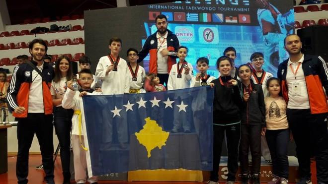 10 medalje për Prizrenin në Taekwondo